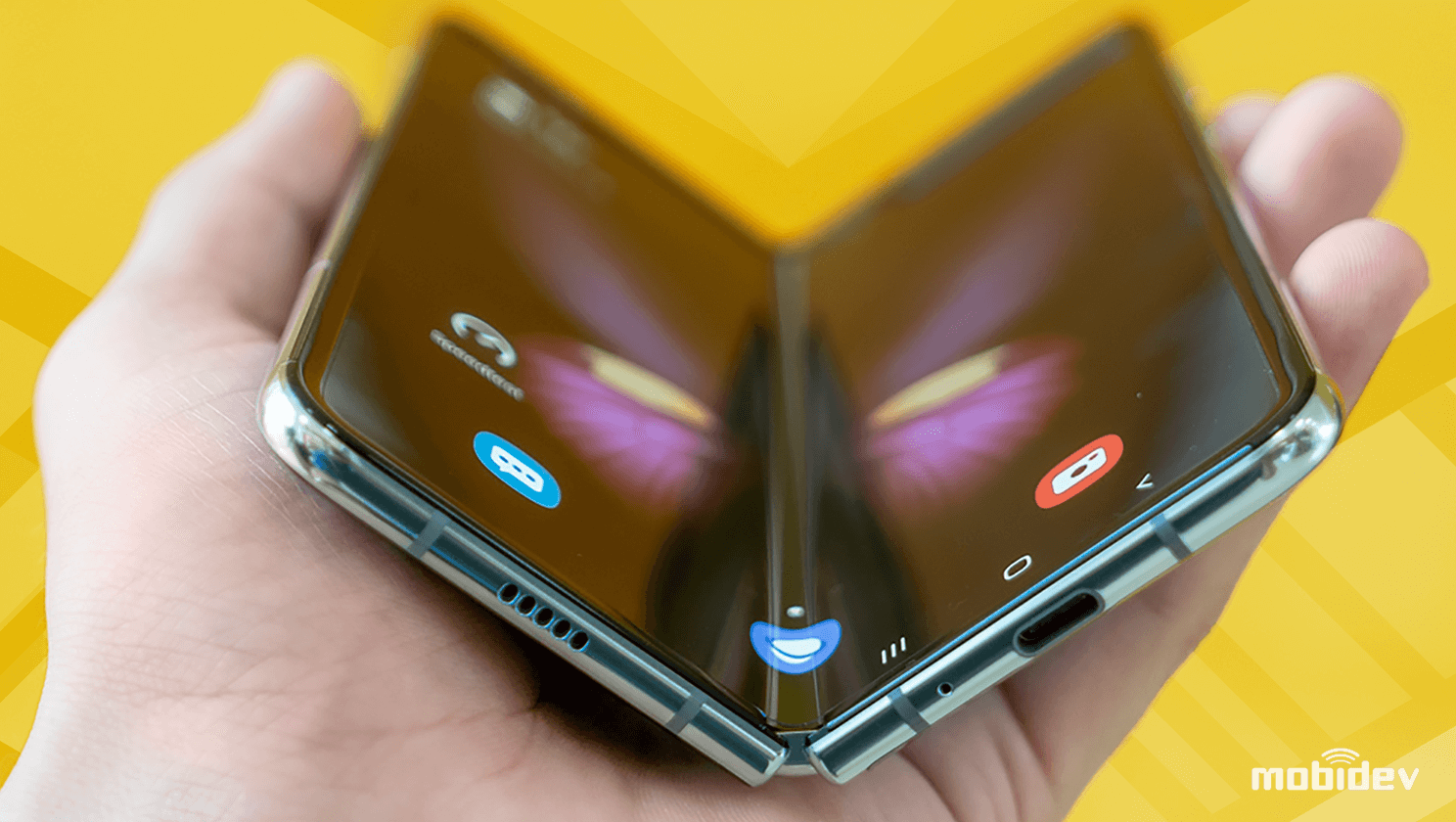 How to develop apps for foldable dual-screen smartphones